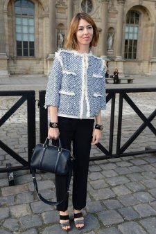 Sofia Coppola pose avec son sac