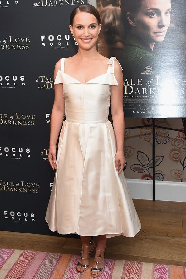 Natalie-Portman-2-Vogue-16Aug16-Getty_b_592x888