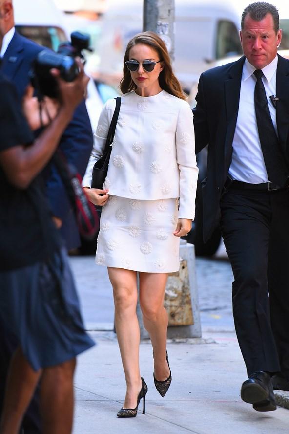 Natalie-Portman-3-Vogue-16Aug16-Getty_b_592x888