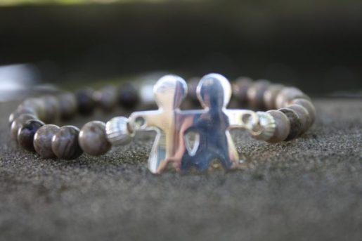 Perles avec médaillon en argent 80 CHF