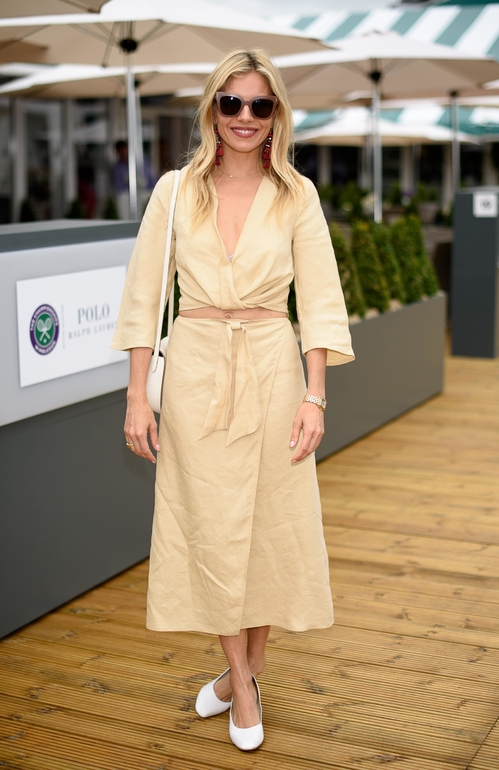 sienna_miller_wearing_ralph_lauren_jpg_9325_north_499x_white