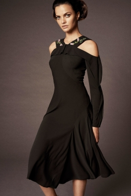 35_zac_posen_spring_18_jpg_303_north_1382x_black